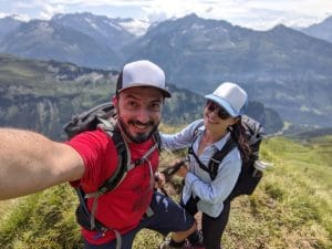 Solène (on the right) and Matthias (on the left) hiking and dining in the Swiss Alps